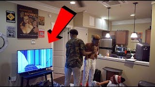 BROKEN TV SCREEN PRANK ON FUNNYMIKE!!! (GETS VERY ANGRY)
