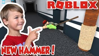 knocked my daddy with a new hammer in roblox flee the facility run hide escape