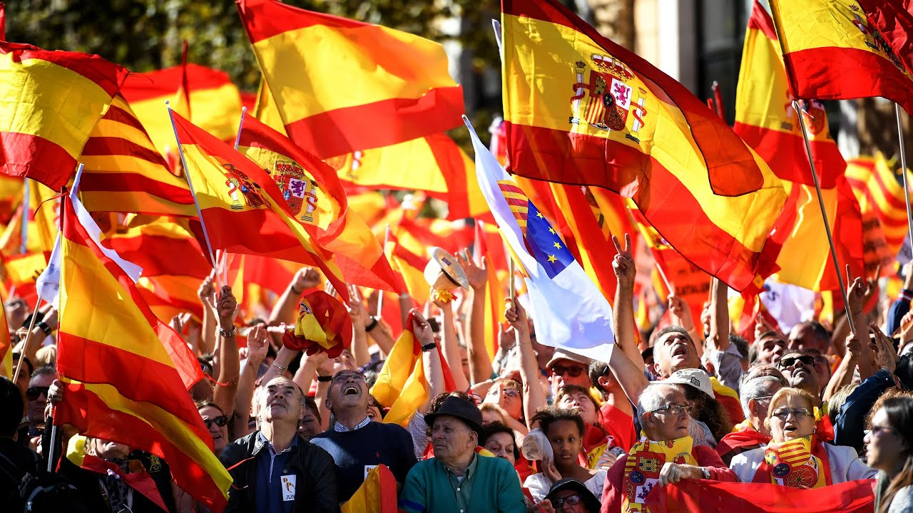 Hundreds of thousands rally in support of Spanish unity in Barcelona