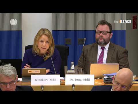 Expertenstreit Um Schließung Des Flughafens Berlin-Tegel
