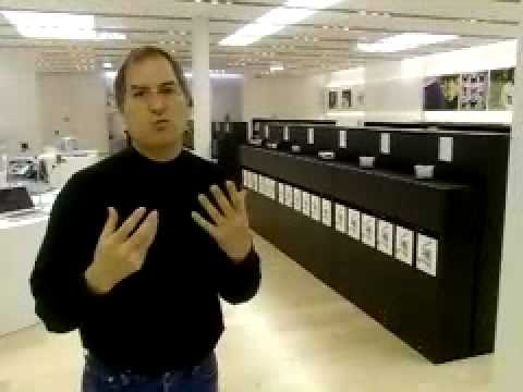 Apple - Steve Jobs introduces the first Apple Store Retail 2001