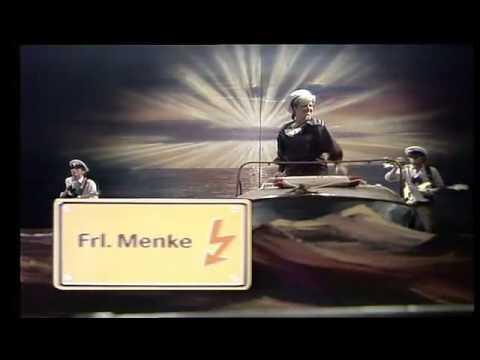 Fräulein Menke Tretboot In Seenot