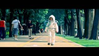Guess Who - Tot Mai Sus feat deMoga (videoclip) HD