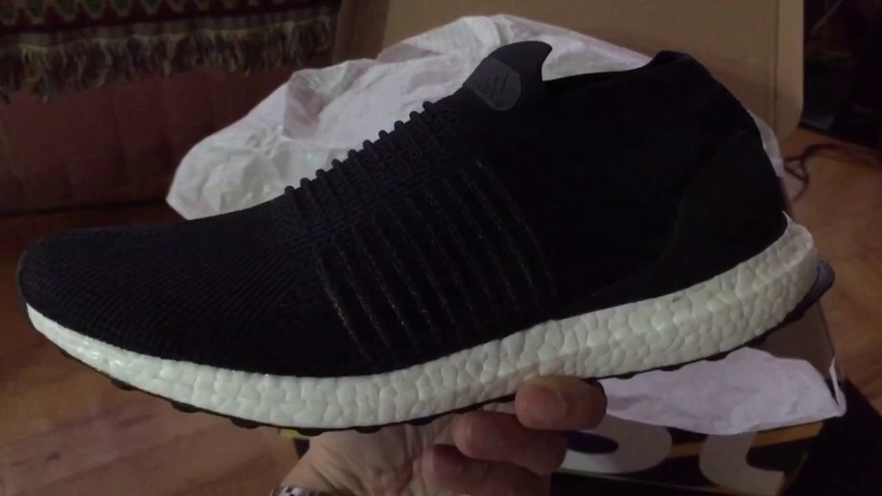 various colors 4b2c0 b8a25 Adidas Ultra Boost Laceless Black on Black Unboxing