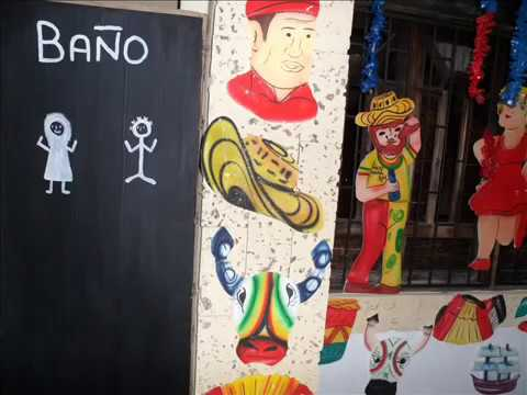 Mi casa decorada carnaval de barranq youtube for Decoracion de puertas de carnaval
