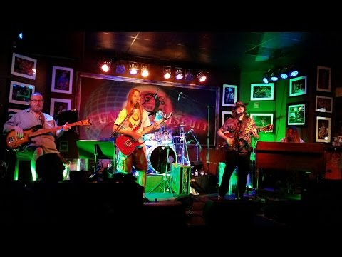 """Crazy Fingers """"Cold Rain & Snow~Shakedown~Dear Mr. Fantasy~Fire"""" The Funky Biscuit, 8-25-2016"""