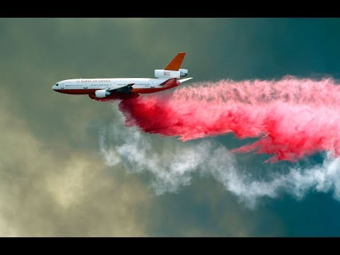 video:-amid-holy-fire,-lake-elsinore-residents-clean-up-pink-fire-retardant-and-ash-|-abc7