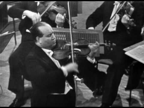 David Oistrakh - Bach Violin Concerto in A minor (2nd mvt.)