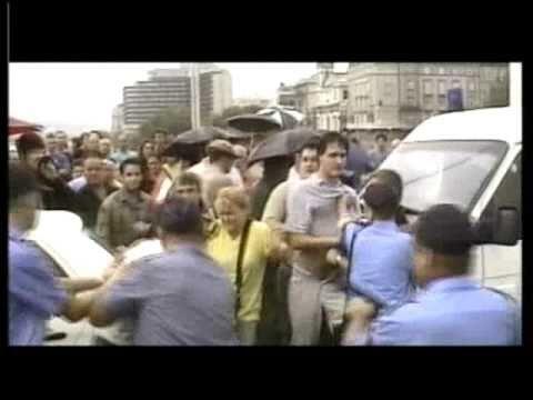 Erzsébet híd blokád 2002 - YouTube