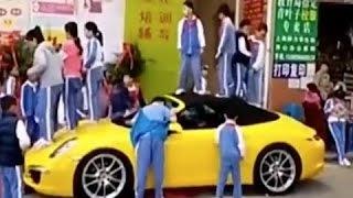 【中国衝撃映像】2000万ポルシェの上で跳び跳ねる子供たち。中国ネットも騒然
