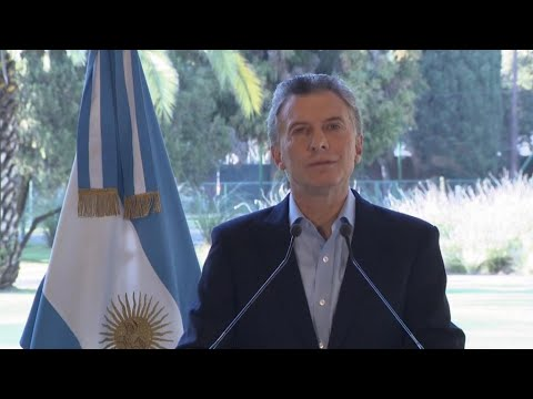 Argentina seeks accelerated bailout payments from IMF