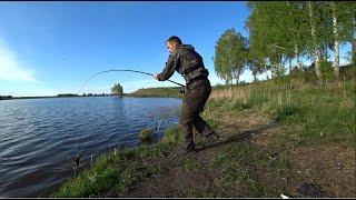 ТОЛЬКО ЗАКИНУЛ СРАЗУ ПОКЛЕВКА рыбалка с ночевкой