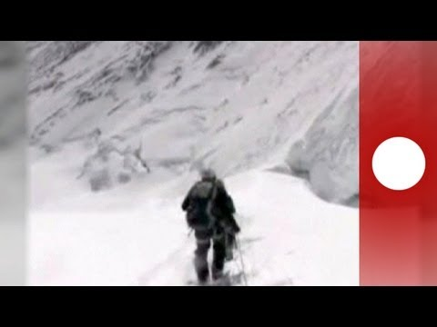 Climbers and sherpas brawl on Mount Everest
