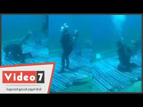 اليوم الثالث لأطول غطسة في العالم للغطاس صدام الكيلاني 73 ساعة يؤدى الصلاه تحت المياه بدهب  - 16:22-2017 / 9 / 21