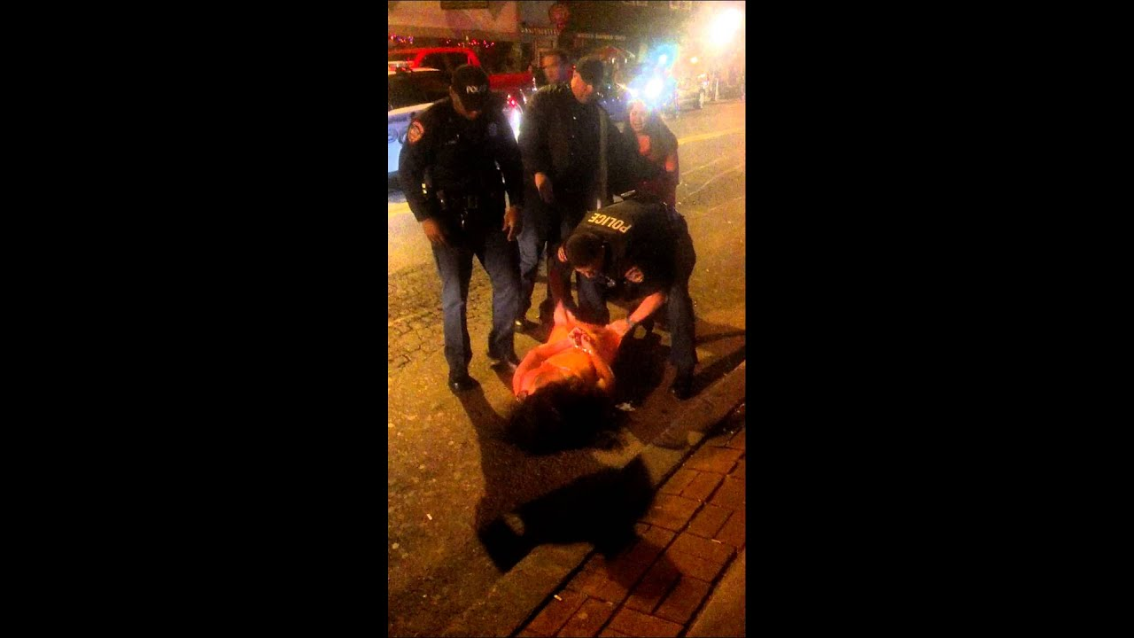 Crazy Drunk Girl Gets Arrested With Her Dress Up Youtube