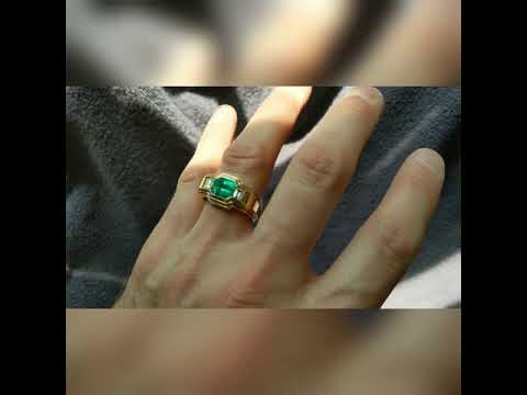 Men's Emerald Ring in 18 Karat Gold with Diamonds in Architectural Setting