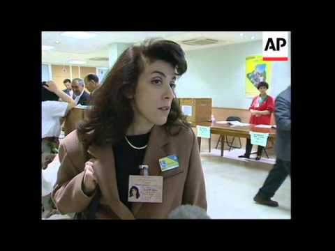 FRANCE: PARIS: ALGERIANS VOTE AHEAD OF PARLIAMENTARY ELECTIONS