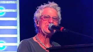 REO SPEEDWAGON - KEEP ON LOVING YOU -  Capitol Theater - Port Chester -  10/20/15 Shot at the stage