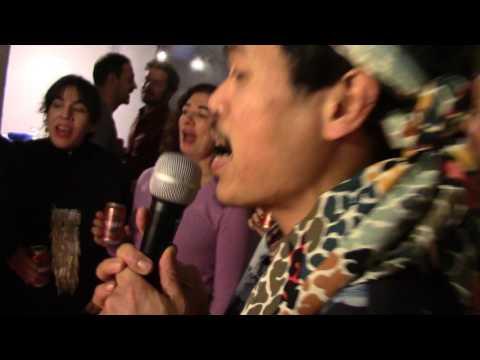 La JUAN Gallery Es Cena de Navidad. Nowhere Kitchen + Karaoke Infinito PEPE DAYAW 6 (16-XII-2016)
