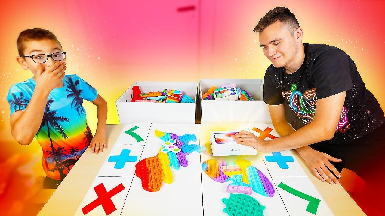 Download FIDGET TOYS TRADE ! Échange intense de Pop-it & d'iPhone | Trading fidget toys