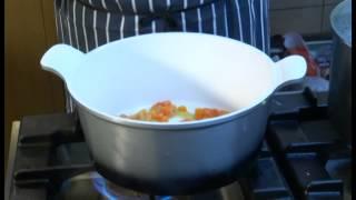 Receta e Dites ne Dite e Re: Supë pule me veze e limon 24.03.15- Ora News