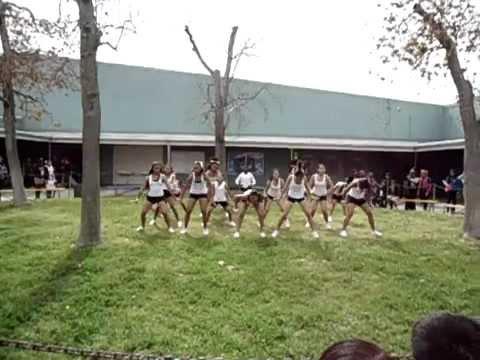 Bell Middle School Cheerleaders!