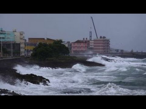 Hurricane Matthew slams Cuba, moves towards US