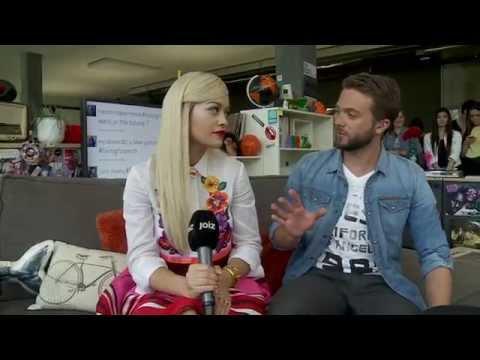 Rita Ora hat sich in den Moderatoren verliebt (7/11)