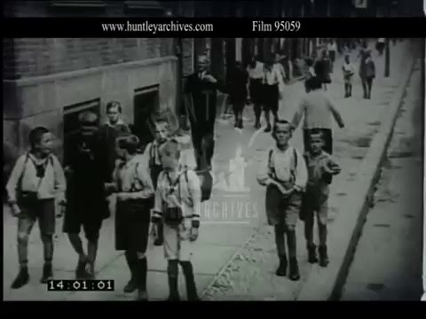 Going to School in Berlin, 1927 - Film 95059
