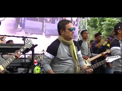 WALI BAND TAKKAN PISAH Live  Bandung memeriahkan Milad CFD BUBAT ke 5 tahun