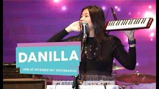 [HD] Danilla - Berdistraksi (Live at HITZTAGE, UII Yogyakarta 2017)