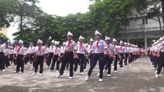 múa Tiến lên đoàn viên thiếu nhi phường Đông Sơn