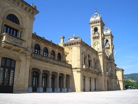 Places to see in ( San Sebastian - Spain ) Ayuntamiento
