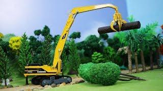 รถคีบไม้ รถแมคโคร รถบรรทุกไม้ ช่วยกันทำงานก่อสร้างในฟาร์มสัตว์  Bruder logging truck toy