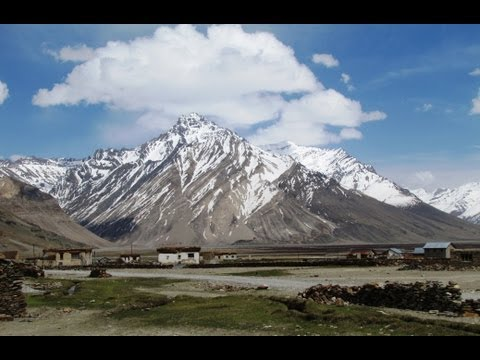 Exploring Western Ladakh - Kargil to Padum via Rangdum
