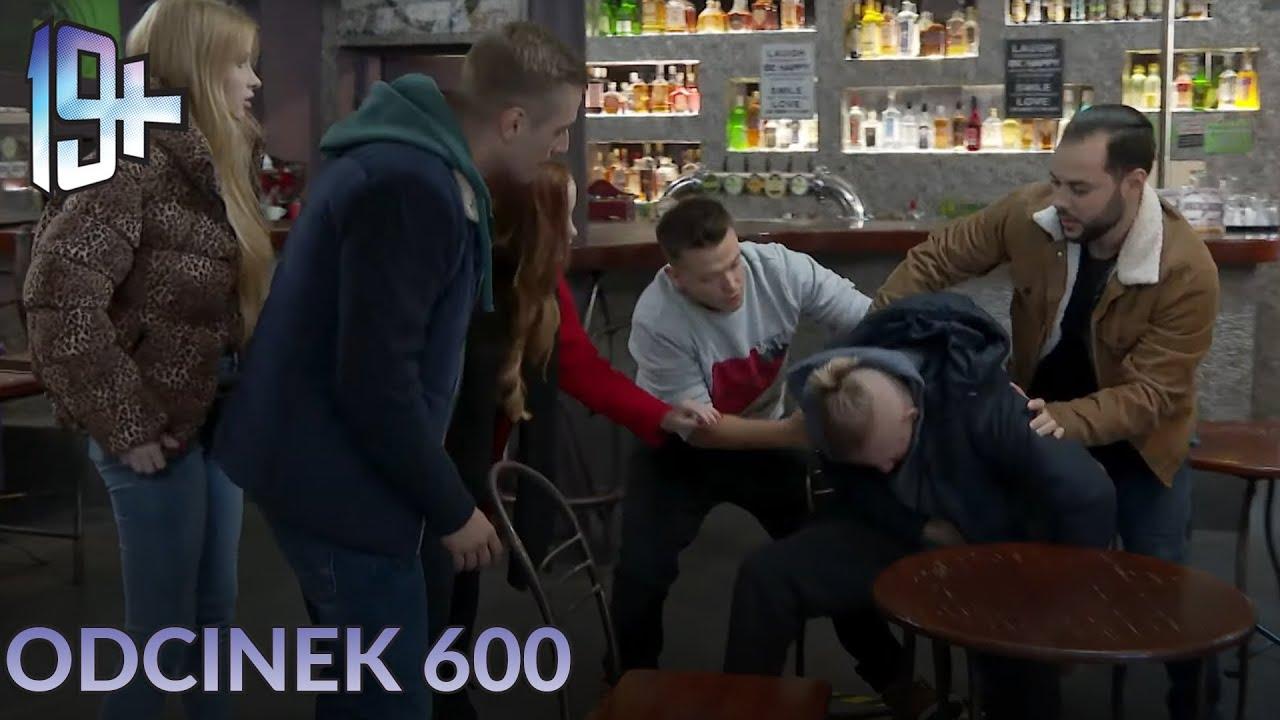 Do pubu Arka wpadł mężczyzna chory na koronawirusa!