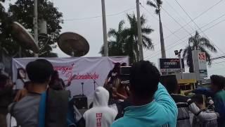 "Video Nina Wang - Sedang Jatuh Cinta(Cinta Gila) at Truck Vehicle Java Tour Tegal ""Semangat Indonesiaku"" download MP3, 3GP, MP4, WEBM, AVI, FLV Oktober 2017"