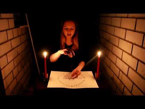 ВЫЗОВ ДУХОВ с иголкой| Дух явился и отвечает на вопросы | Безумно страшный ритуал ♥ Leah Nadel