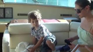 Греция остров Родос. Прикольный малыш на яхте(Видео было записано на яхте в порту острова Родос в Греции в Эгейском море. На этом месте в древности было..., 2016-05-12T08:26:13.000Z)