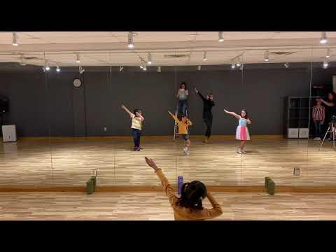 BANANA CHACHA | MOMOLAND (Kids Kpop Dance Classes By I LOVE DANCE)
