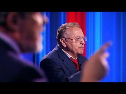 Жириновский потерял штаны во время теледебатов.