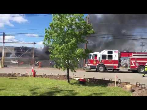Small Plane Crashes in Carlstadt, New Jersey Near Teterboro Airport