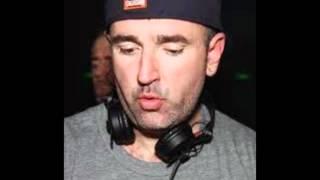 DJ Uovo  live @ Les Folies De Pigalle