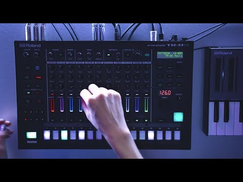 Roland TR-8S Rhythm Performer