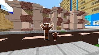 İŞÇİ, FAKİRE YENİ EV YAPIYOR! 😱 - Minecraft