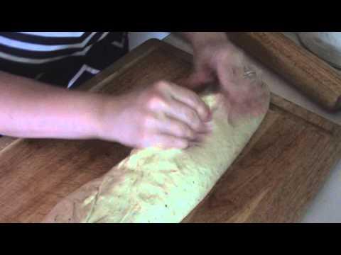 How to make homemade cheesy garlic bread