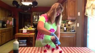 How to Tie Dye a Flower Patter…