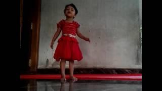 Asarmulla manam veeshum kaatte  Munnu mol dance