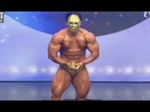 Korean Bodybuilder has Massive Chest Gap