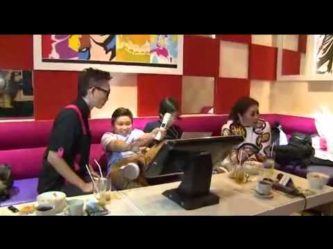 Melly Goeslaw Buka Rumah Karaoke Di Solo